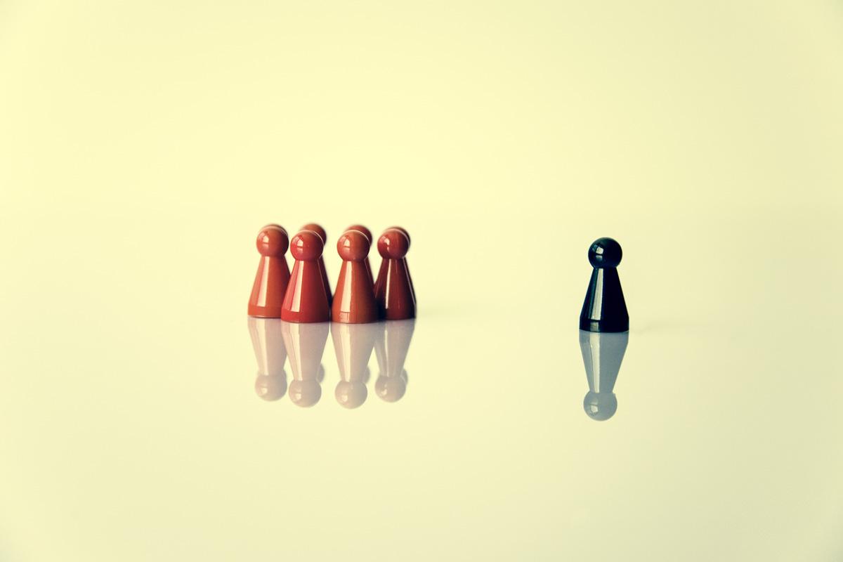 symbol metapher leadership or exclusion